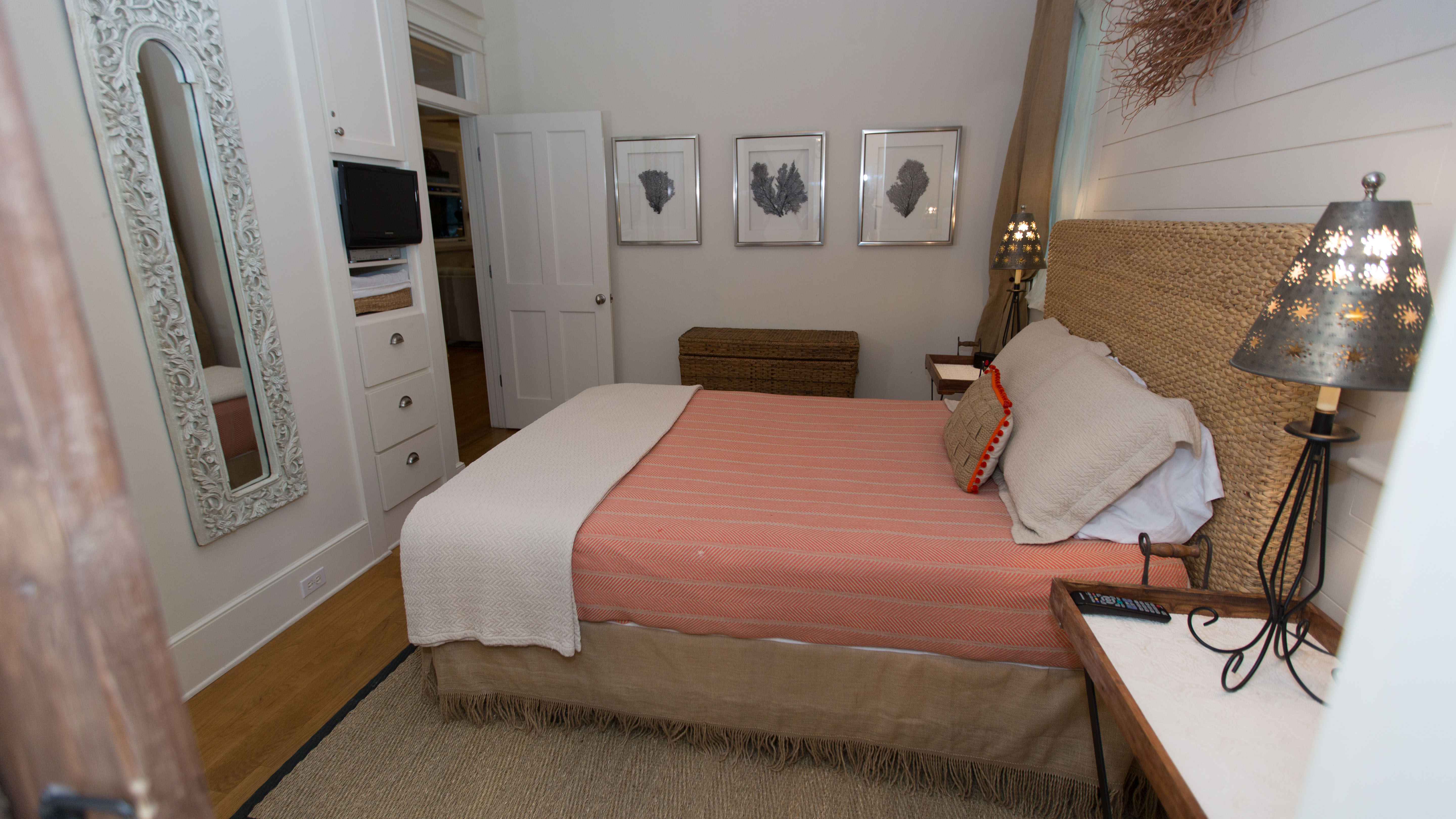 Queen bed, television and plenty of space